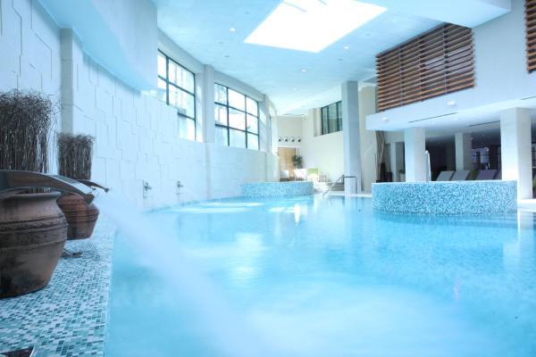 hotel-mona-spa-centar-bazen