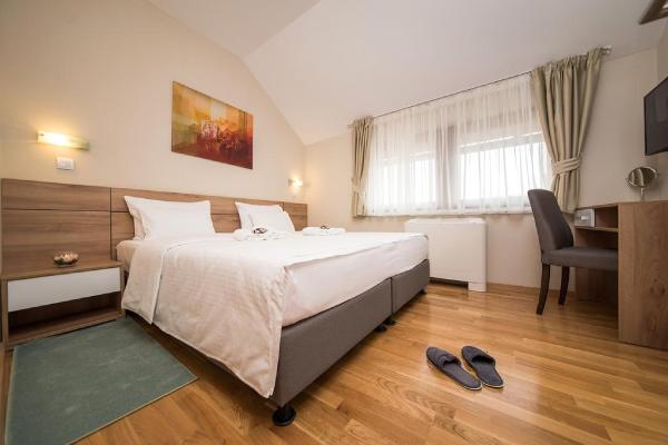 soba-sa-francuskim-lezajem-hotel-mons-zlatibor