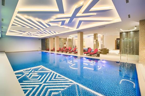 unutrasnji-bazen-hotel-buket-zlatibor