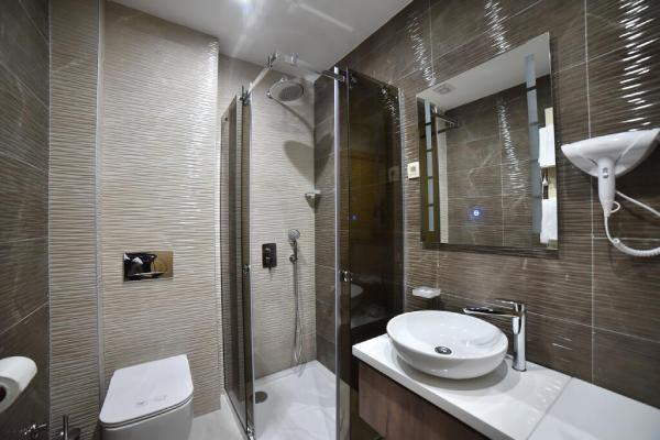 vila-pekovic-zlatibor-kupatilo